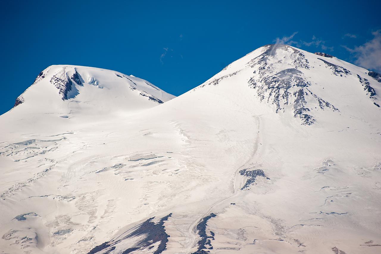 Вершина Эльбруса с Чегета